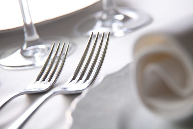 Table Setting, how to set a table, forks, utensils, personal chef, personal chef austin, catering austin, meal delivery austin, customized meals austin