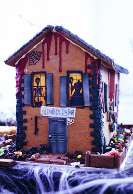 Halloween gingerbread house.